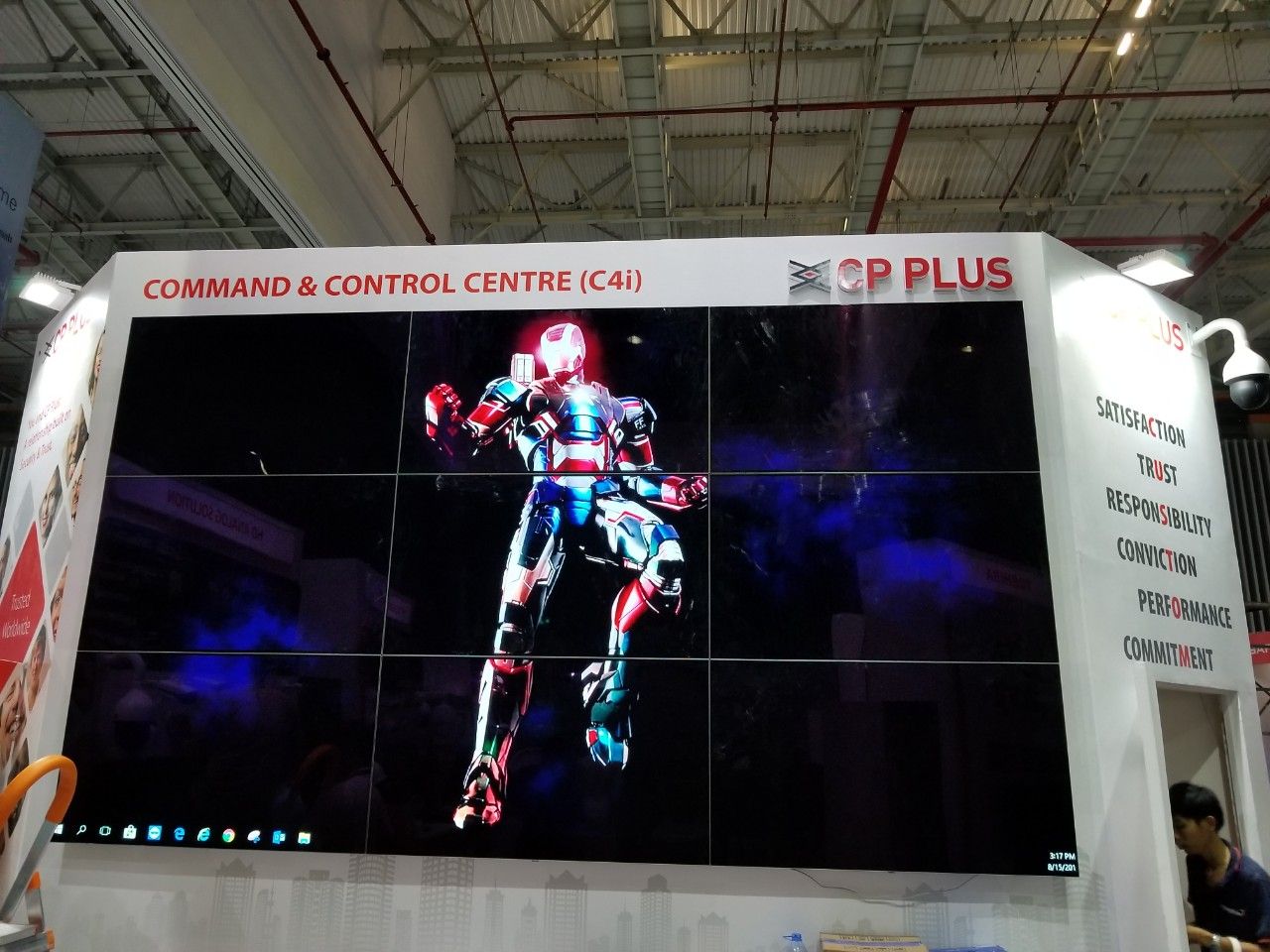Video wall 3x3 màn hình tivi OLED 55 inches