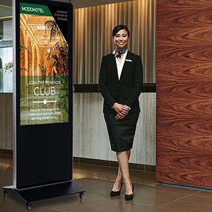 kiosk quảng cáo 55 inch tăng sự kích thích thị hiếu khách hàng